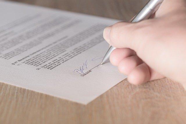 עורך דין לאכיפת חוזה