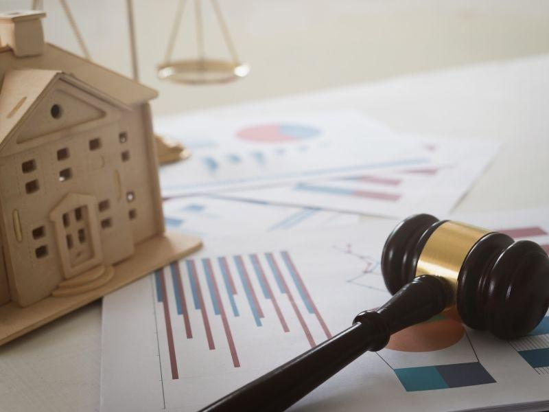 מה אומר החוק על פינוי שוכר מהדירה